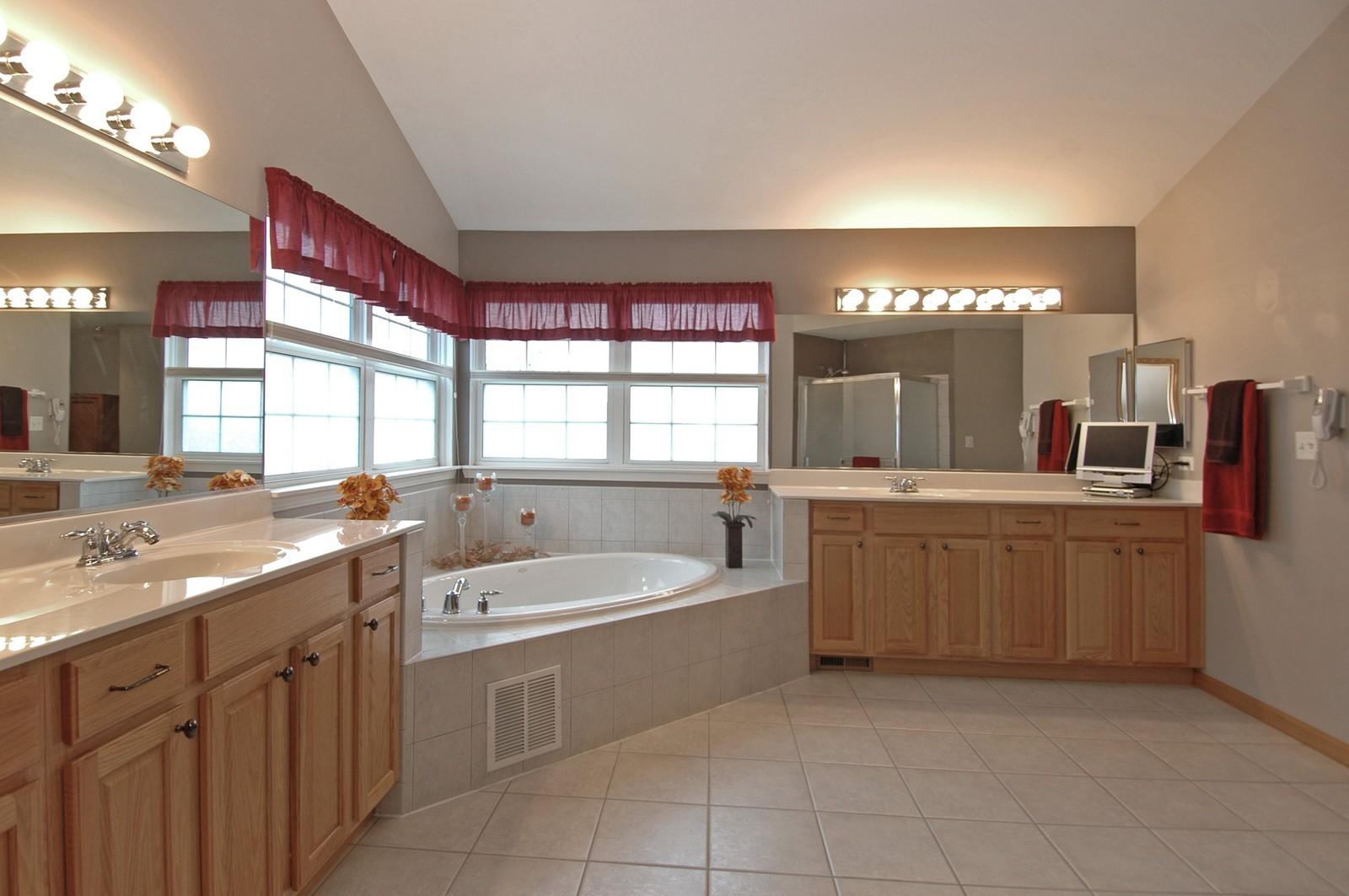 Real Estate Photography - 10943 Concord, Huntley, IL, 60142 - Master Bathroom