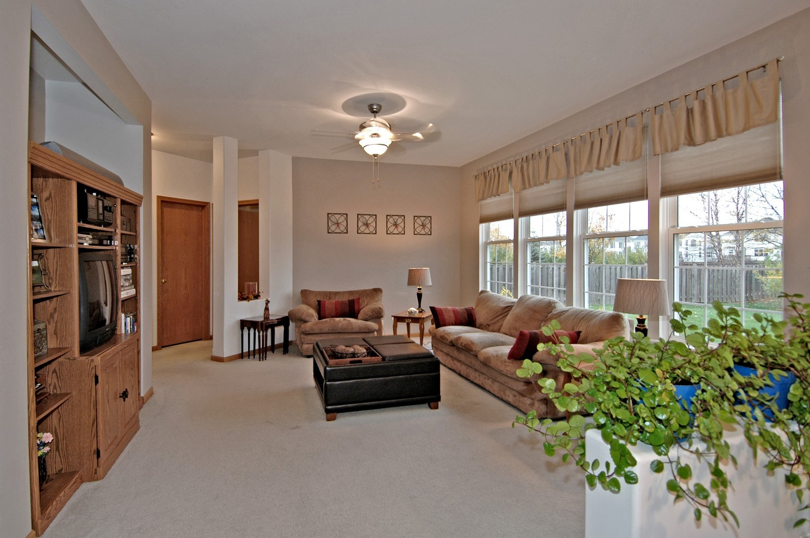 Real Estate Photography - 10943 Concord, Huntley, IL, 60142 - Family Room