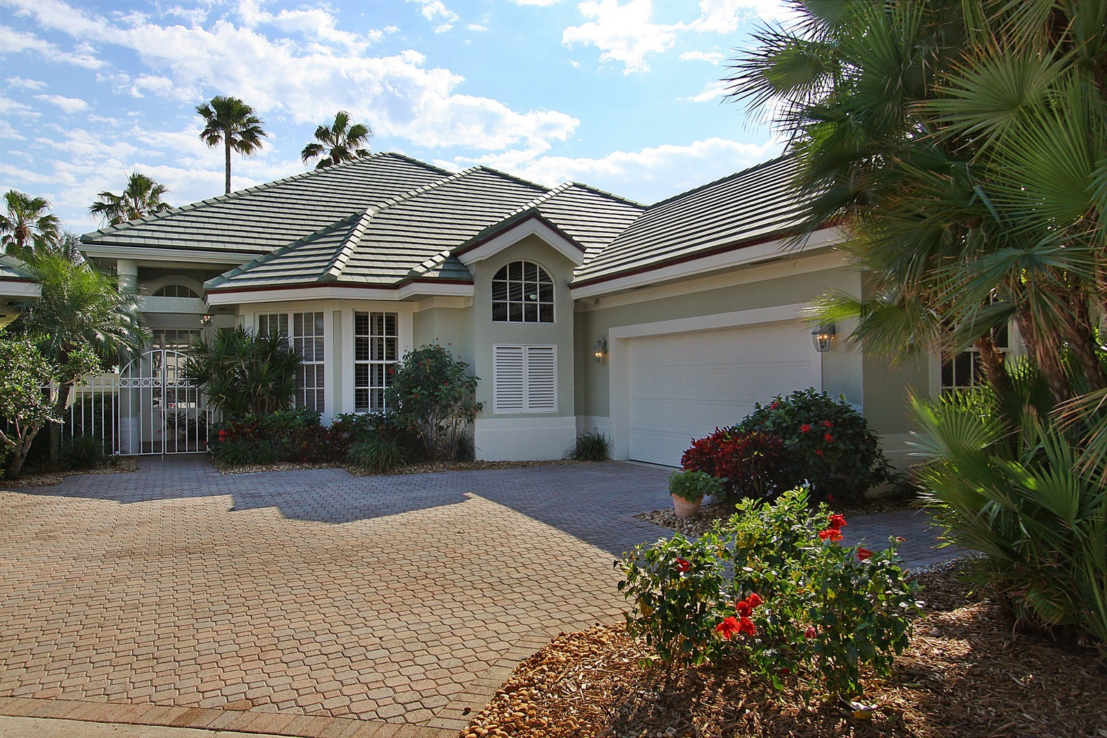 Real Estate Photography - 6930 SE Lakeview Ter, Stuart, FL, 34996 - Front View