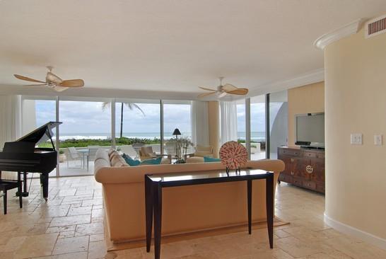 Real Estate Photography - 2001 SE Sailfish Blvd, Unit 116, Stuart, FL, 34496 - Living Room