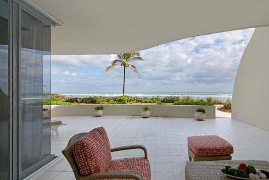 Real Estate Photography - 2001 SE Sailfish Blvd, Unit 116, Stuart, FL, 34496 - Patio