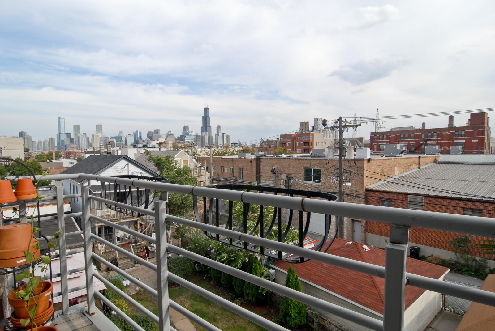 Real Estate Photography - 1413 W Grand, B, Chicago, IL, 60642 - Deck