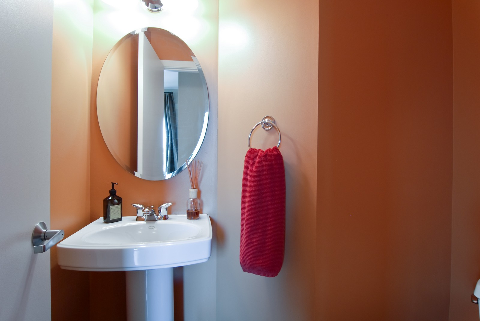 Real Estate Photography - 1413 W Grand, B, Chicago, IL, 60642 - 2nd Bathroom