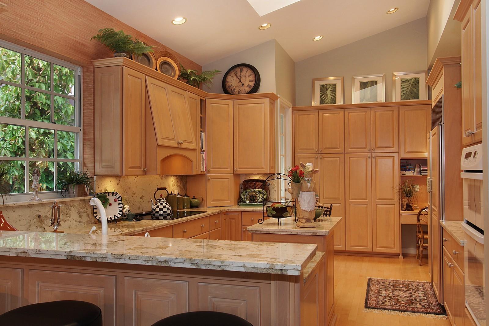 Real Estate Photography - 6930 SE Lakeview Ter, Stuart, FL, 34996 - Kitchen