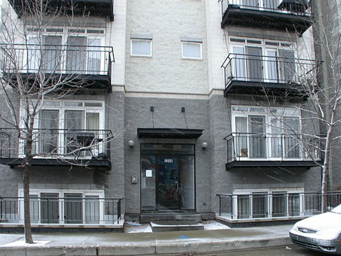 Real Estate Photography - 2358 W Bloomingdale, Unit 4W, Chicago, IL, 60647 - Front View