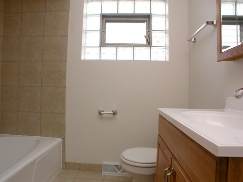 Real Estate Photography - 14904 Grant St, Dolton, IL, 60419 - Bathroom