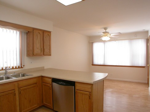 Real Estate Photography - 14904 Grant St, Dolton, IL, 60419 - Kitchen / Dining Room