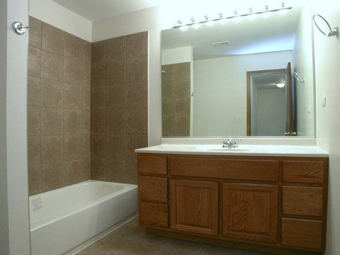 Real Estate Photography - 37 Crab Tree Ln, Westmont, IL, 60559 - Bathroom