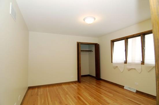 Real Estate Photography - 15045 Chicago Rd, Dalton, IL, 60419 - Master Bathroom